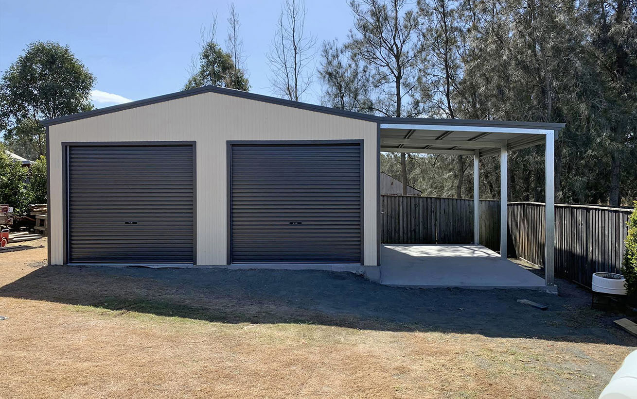Double-garage-with-lean-to-001